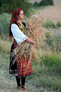 Kamen vruh, Elhovo Folk Costume, Costumes, Bulgarian, Folklore, Bohemian, Culture, Traditional, Woman, Photography