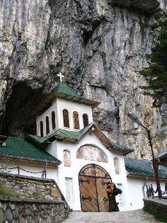 Ialomita Monastery