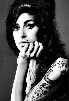 amy winehouse tattoos - Buscar con Google