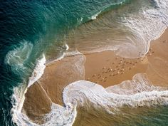 thegirlsoul:  Top view of how the waves wash off the shore… Pretty patterns of turquoise waters!!