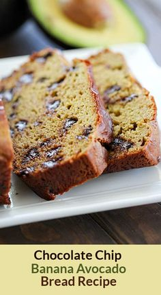 This Chocolate Chip Avocado Bread Recipe has NO oil or butter, thanks to the addition of avocado! Plus it makes this banana bread so soft and I promise you can't taste the avocado at all! A must-make recipe! Recipes For Old Bananas, Healthy Banana Recipes, Healthy Banana Bread, Avocado Recipes, Banana Bread Recipes, Strawberry Recipes, Healthy Meals, Healthy Food, Healthy Eating