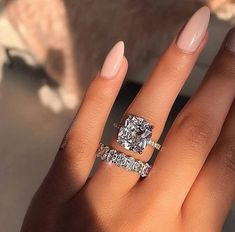 Wedding rings 💍👰🏻 discovered by Anactacia Tp on We Heart It - schöne Ideen - Engagement Rings Big Wedding Rings, Beautiful Wedding Rings, Wedding Ring Bands, Wedding Jewelry, Expensive Wedding Rings, Expensive Rings, Platinum Wedding Rings, Dream Wedding, Beautiful Engagement Rings