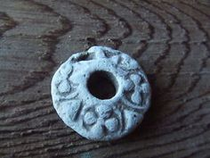 MEDIEVAL BRITAIN DECORATED SPINDLE WHORL 13th-14th CENTURY. 30mm diameter, lead, found near York.