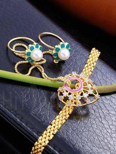 Designer Finger Ring Bracelet with Pearls