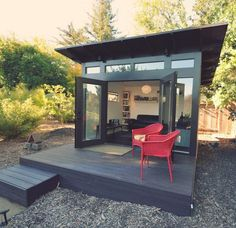 12 Backyard Sheds You Can DIY or Buy Poppytalk Studio Shed From storage to studio, this one comes as a customized pre-fab. Outdoor Office, Backyard Office, Backyard Studio, Backyard Sheds, Outdoor Sheds, Outdoor Living, Garden Sheds, Tiny Backyard House, Backyard Cabana