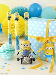 Minion inspired birthday party ideas, gifts and decorations! FREE printabels to download to help you decorate your party! #minion #minionbirthday #minionpartyideas #minionfreeprintables