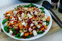 Solbeskyttelse innenfra - Nyhetsbrev fra Berit Nordstrand Cobb Salad, Healthy Recipes, Food, Food Recipes, Health Recipes, Meal, Essen, Hoods, Healthy Cooking Recipes