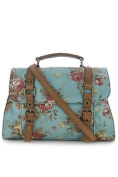 Delle donne guardiamo soprattutto le borse che indossano, perchè le loro scelte ci ispirano www.giannottibags.it