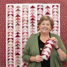 Stitch up a flock of flying geese blocks with Jenny Doan in the free, quick and easy Fancy Flight quilt tutorial! Star Quilt Patterns, Star Quilts, Easy Quilts, Quilt Blocks, Jellyroll Quilts, Mini Quilts, Nancy Zieman, Jenny Doan Tutorials, Quilting Projects