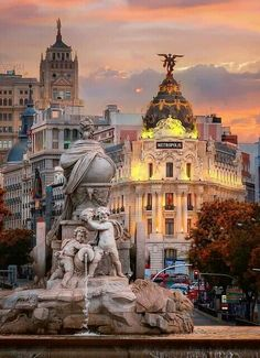 Madrid is the capital and largest city in Spain. The location and history of Madrid makes it the main gateway and middle for financial and diplomatic deeds on the Iberian Peninsula. Madrid City, Foto Madrid, Places To Travel, Travel Destinations, Places To Visit, Places Around The World, Around The Worlds, Madrid Travel, Voyage Europe