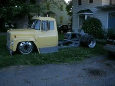 Custom Big Rig ! Can you say SLAMED I knew you could.