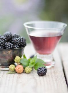 This blackberry saint cocktail is made with fresh lemon juice and a handful of fresh blackberries - it tastes absolutely divine.