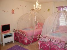 Disney rental, themed rooms, 3 masters-good for big family trip