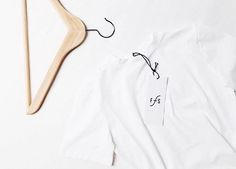 Minimal is chic & easy to combine. . . . . #funktionschnitt #flatlay #minimal #wearthedifference #allwhite #organiccotton