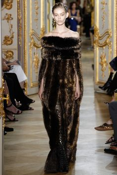 J. Mendel Fall 2016 Couture Collection Photos - Vogue