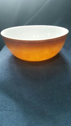 PYREX #404 Old Orchard Trademark 84 Mixing Bowl #Pyrex