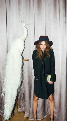 Laetitia Crahay, la reine des chapeaux Maison Michel, nous révèle ses petits secrets parisiens ! http://www.doitinparis.com/fr/art-de-vivre/magazine-feminin/la-reine-des-chapeaux-chanel-laetitia-crahay-2128