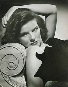 Making her film debut with the legendary John Barrymore in A Bill of Divorcement , Connecticut born and bred Katharine Hepburn was se. Old Hollywood Glamour, Golden Age Of Hollywood, Vintage Hollywood, Hollywood Stars, Classic Hollywood, Hollywood Divas, Hollywood Cinema, Hollywood Boulevard, Hollywood Life