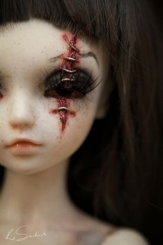 fyeahbjdmods:  Eye mods + the luscious scar. [DollFairyland MNF Miyu]