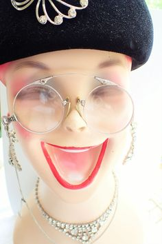 Vintage Retro 18th Century Pince Nez Round Gothic Red Costume Cosplay Glasses