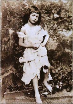 Alice Liddell als Bettelmädchen, Foto aus den späten 1850er Jahren gemacht von Lewis Carroll