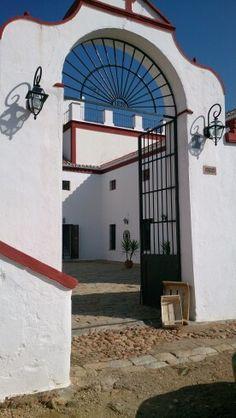 Cortijo Las Arenillas, Sevilla. T urismo rural. celebración de eventos . Rutas cursos actividades al aire libre . Info@cortijolasarenillas.com