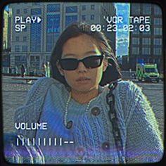 Kpop Aesthetic, Aesthetic Girl, Retro Poster, Kpop Posters, Pop Art Posters, Jennie Kim Blackpink, Blackpink Video, Blackpink Photos, Jolie Photo
