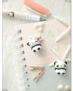 Cute chibi Pandas polymer clay Chibi Panda, Polymer Clay Kawaii, Cute Chibi, Clay Charms, Cold Porcelain, Getting Organized, Craft Ideas, Diy Crafts, Baby