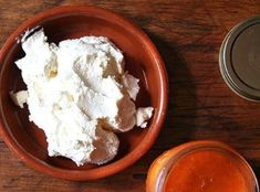 Making fresh ricotta cheese at home is as easy as the Barefoot Contessa (Ina Garten) promises. And it is SO delicious. Homemade Ricotta Cheese Recipe, Fresh Ricotta Recipe, Home Made Ricotta Cheese, Goat Cheese, Milk Recipes, Cooking Recipes, Pasta, How To Make Cheese, Gourmet