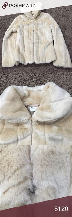 Fur Faux Coat Axcess Liz Claiborne Company Axcess A Liz Claiborne company faux fur coat, this coat is gorgeous!! Beautiful tan camel color, hook eye closures, collar can be folded down or wore up, NWOT, can be worn dressed up or casual! Amazing quality excellent condition! Never been worn! Amazing for a wedding or just out and about Axcess Jackets & Coats