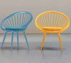 Fa vázas design szék kárpitos ülőkével. - CR/32.1