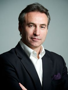 business men headshots   corporate-headshot-hong-kong-european-man-grey-hair.jpg