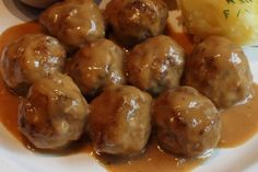 Swedish Meatballs Recipe — Beef & Pork Meatballs with Creamy Brown Gravy Swedish meatballs recipe – beef and pork balls with creamy brown sauce Beef And Pork Meatballs, Beef Meatball Recipe, Swedish Meatball Recipes, Sweedish Meatballs, Meatballs 2, Meatball Bake, Sauce Recipes, Pork Recipes, Cooking Recipes