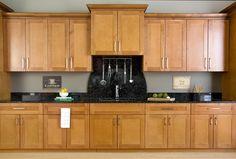 39 Super Ideas For Kitchen Cabinets Maple Shaker Style Classy Kitchen, Redo Kitchen Cabinets, New Kitchen Cabinets, Shaker Style Kitchen Cabinets, Cabinet, Shaker Style Kitchens, Maple Cabinets, Cool Kitchens, Redo Cabinets
