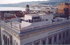 Ospiti sulla terrazza del Museo Revoltella di Trieste.