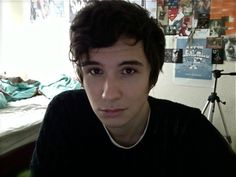 Dan Howell<----OMG ITS DANS HOBBIT HAIR!!!<<<<OMG YASSS A MILLION TIMES YESSSS<< I'M HYPERVENTILATING