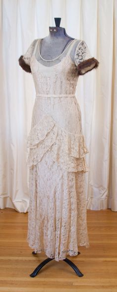 1930's Dress // Fur Trimmed Mocha Cream Lace Dress. GarbOhVintage - Etsy (really pretty as a wedding dress if the fur was not there)