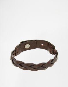 Armband von Jack & Jones geflochtenes Lederarmband längenverstellbar Druckknopfverschluss Mit feuchtem Tuch abwischen. 100% echtes Leder Länge: 23 cm/9 Zoll