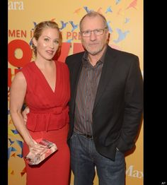 """Christina Applegate On """"Modern Family""""  It would be heartwarming to see the """"Married With Children"""" father and daughter reunited on """"Modern Family"""" after all these years. Maybe Applegate could make a cameo as a wacky cousin from Jay's ex-wife's Dede's side of the family."""