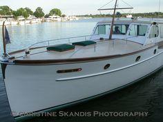 1950 Antique Matthews cruising Saugatuck, Michigan USA