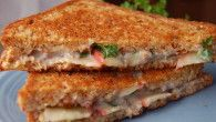 Meatless Monday: Grilled Cheese Sandwich with Apple, Parsley, and Pecan