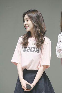 Korean Fashion Trends you can Steal – Designer Fashion Tips Seulgi, Korean Girl, Asian Girl, Ulzzang Hair, Miss Girl, Redvelvet Kpop, Red Velvet Irene, Korean Fashion Trends, Fashion Outfits