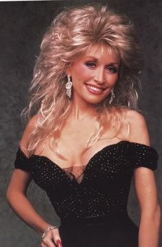 was a TV variety show that ran on ABC during the season featuring Dolly Parton. Guest stars on the show included Bruce Willis, Patti LaBelle, Tom Petty, Tom Selleck, Oprah Winfrey and… Dolly Parton Pictures, Musica Country, Shag Hairstyles, Glamour, Layered Hair, Big Hair, Beautiful People, Curly Hair Styles, Hair Cuts
