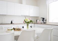 Boho Deco Chic: HOME TOUR: una casa muy familiar Kitchen Dining, Dining Room, Boho Deco, Home Room Design, House Rooms, Indoor, Interior Design, Furniture, Kitchen Ideas
