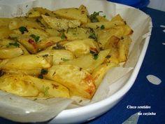 Cinco sentidos na cozinha: Batata assada aos gomos com alho e ervas aromáticas