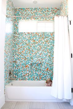 Building a new home: Mosaic tile and Wallpaper! | MADE