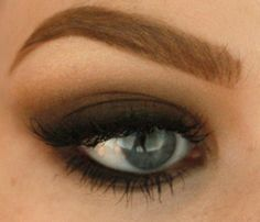 Tutorial for a rocker/smokey eye thanks to u/Sssamanthaa from r/makeupaddiction. #makeup