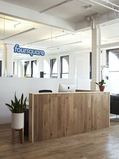Les plus belles banques d 39 accueil design bureaux reception r ceptions bureau et chic - Salon de massage poitiers ...