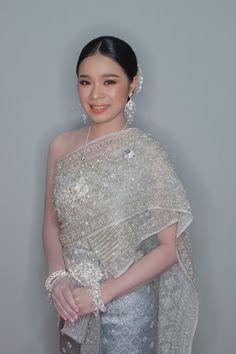 Cambodian Wedding Dress, Formal Dresses, Wedding Dresses, Fashion, Dresses For Formal, Bride Dresses, Moda, Bridal Gowns, Formal Gowns