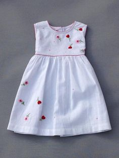 Frocks For Girls, Kids Frocks, Little Girl Outfits, Little Girl Dresses, Kids Outfits, Girls Dresses, Girls Frock Design, Baby Dress Design, Kids Dress Wear